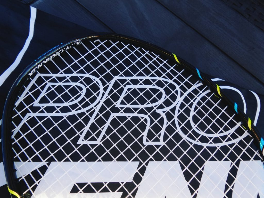 How to improve your badminton serve